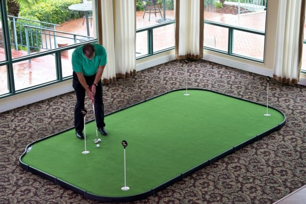 an in-depth review of the best indoor putting greens of 2018.