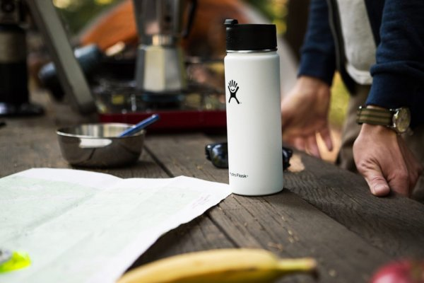 an in-depth review of the best insulated water bottles of 2018