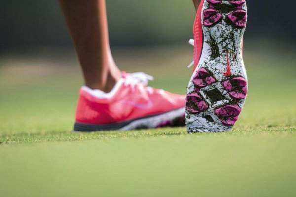 an in-depth review of the best women's golf shoes of 2018.