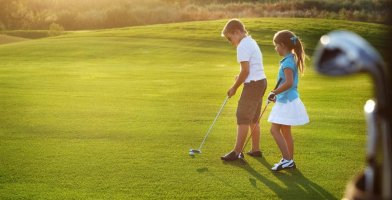 an in-depth review of the best kids' golf shoes.