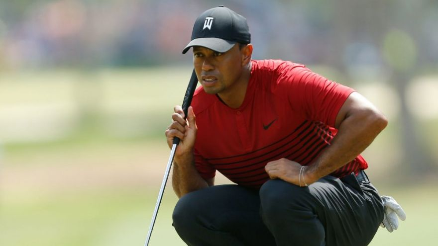 an in-depth review of how Tiger Woods shocked the golf world by switching his putter.